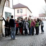 Hledání kamenických značek na portálu Pražské brány
